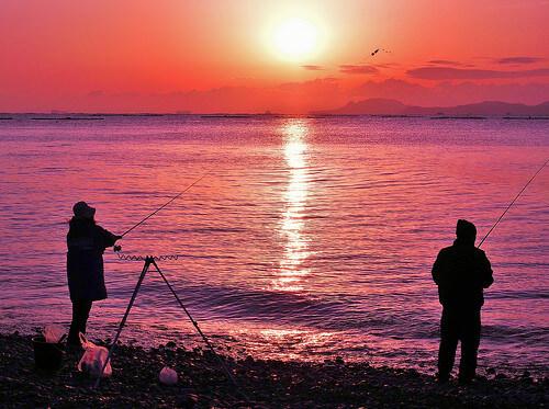この画像は、サイトの記事「釣り 初心者 投げ方 ネットで話題 魚釣り専門 YouTube注目無料視聴動画ご紹介!」のイメージ写真画像として利用しています。