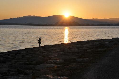 この画像は、サイトの記事「『マスゲン 琵琶湖』 ネットで話題 YouTube公式動画ご紹介!」のイメージ写真画像として利用しています。