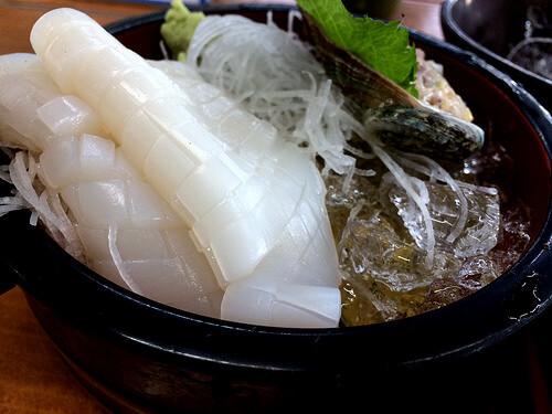 この画像は、サイトの記事「『釣りよかでしょう イカ料理』 ネットで話題 YouTube公式動画ご紹介!」のイメージ写真画像として利用しています。
