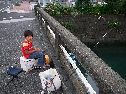 この画像は、サイトの記事「うなぎ 釣り ネットで話題 魚釣り専門 YouTube注目無料視聴動画ご紹介!」のイメージ写真画像として利用しています。