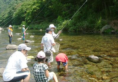 この画像は、サイトの記事「鮎釣り 初心者 ネットで話題 魚釣り専門 YouTube注目無料視聴動画ご紹介!」のイメージ写真画像として利用しています。